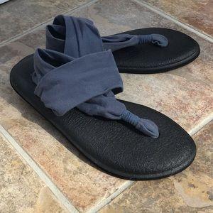Sanuk yoga mat sandals. Hardly worn